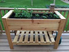 If space is an issue the answer is to use garden boxes. In this article we will show you how all about making raised garden boxes the easy way. We all want to make our gardens look beautiful and more appealing. Raised Planter Boxes, Cedar Planter Box, Garden Planter Boxes, Elevated Garden Beds, Raised Garden Beds, Raised Beds, Oregon, Rectangular Planters, Pallets Garden