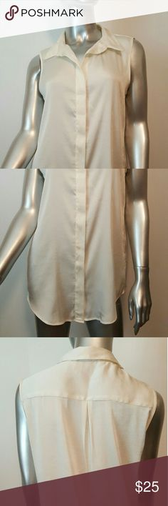 VINCE CAMUTO Cream Top Sz 6 Great condition-no stains or holes to mention   Silk Vince Camuto Tops