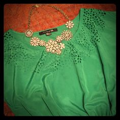 Emerald Green Laser Cut Dress Forever 21 Beautiful dress is in like new condition and is so lovely! Last image is stock photo and belt shown is not included. Forever 21 Dresses