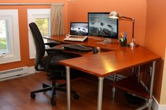 Retro Design For Home Office Desk With Modern Decorating Ideas