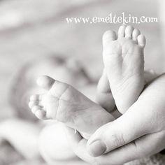 Www.emeltekin.com #doğum #bebek  #minik_ayaklar  #doğumfotoğrafçısı #hamilegünlüğü #hamileyim #hamileannemiz #hamilelikhalleri #hamilegiyim #istanbul #bebeğimibeklerken #doğumgünü #anneoluyorum #hastanecikisi #annebebekdergisi  #anne #annelik #mutluluk