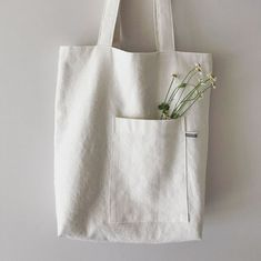 Best 12 This is plain white canvas bag for DIY. Product ranges: various blank canvas bags,pouches,cases. Sacs Tote Bags, Diy Tote Bag, Canvas Tote Bags, My Bags, Purses And Bags, Sac Lunch, Sacs Design, Linen Bag, Fabric Bags