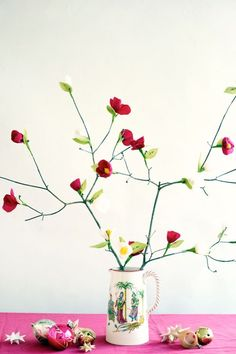Crepe Paper Flower Advent Calendar DIY (via Bloglovin.com )