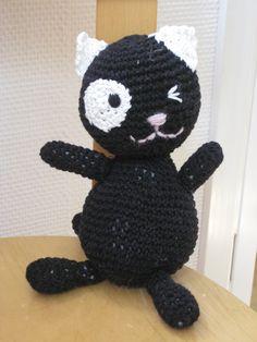 Virkattu kissa- crochet cat.
