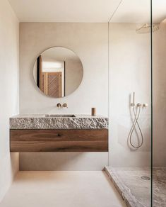 All about bathroom designs and inspiration. Small, and luxury modern bathroom layout Bathroom Renos, Interior, Home, Bathroom Mirror, Bathroom Interior, Earthy Bathroom, Bathroom Flooring, Bathrooms Remodel, Bathroom Decor