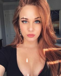 Welcome to r/SexyWomanoftheDay! We choose a new woman nominated by our sub members every 24 hours to post photos/gifs and videos of! Beautiful Redhead, Beautiful Women, Instagram Story Viewers, Minka Kelly, Most Popular Instagram, Redhead Girl, Red Hair Color, Strawberry Blonde, Italian Girls