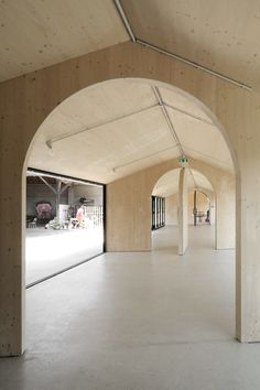 Bast - E26 school extension, Montbrun Bocage 2017. Photos © the architects. [[MORE]]
