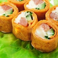 royalty-free-images-mexico-maki-sushi-roll-made-of-smoked-salmon-cream-cheese-cucumber-and-spring-onion-inside-mexi-pixmac-65110227.jpg (398×400)