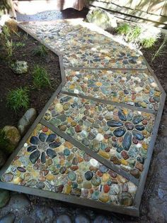 Beautiful stone mosaic path! found on Marianne Williams's photo here on Pinterest.