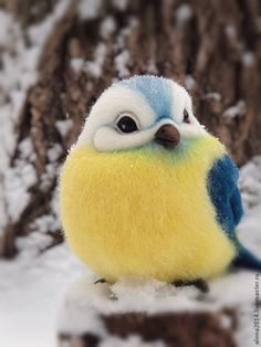 Adorable felted bird