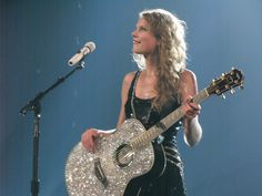 Taylor Swift Speak Now Tour - photo taken by Julie Stausmire Taylor Swift Speak Now, Taylor Swift Fearless, Live Taylor, Red Taylor, Taylor Alison Swift, I Have A Crush, Having A Crush, Her Music, Good Music