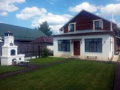 Guest House Pokrovskaya Suzdal Offering a barbecue and views of the garden, Holiday Home Pokrovskaya is set in Suzdal in the Vladimir Region Region, 900 metres from Shchurovo Mound Museum. Pokrovsky Monastery is 100 metres from the property.