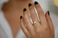 Bague de mariage unique délicate bague de par LiatWaldmanJewelry