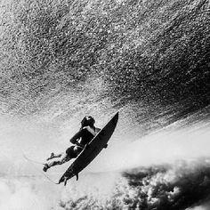 317a6730f1be0 Black & white duck dive photo #surfing Summer Surf, Beach Bum, Surfs