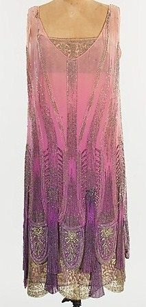 1920's fashion- this dress is stunning, so lovely- a great neckline and such a beautiful colour gradient.