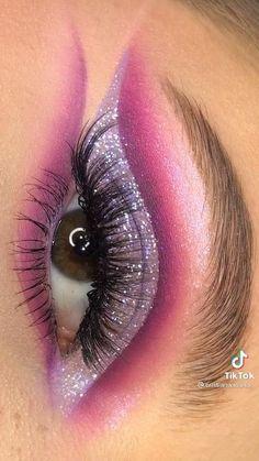Eye Makeup Designs, Eye Makeup Art, Skin Makeup, Creative Eye Makeup, Colorful Eye Makeup, Eyeshadow Looks, Eyeshadow Makeup, Maquillage Cut Crease, Pinterest Makeup