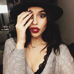 RAWWR | okay people say they hate this pic of acacia but ya know what, it's not a bad pic okay? x
