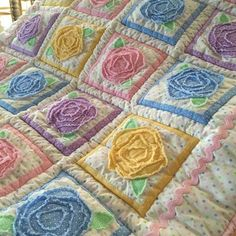 New patchwork patterns kids rag quilt Ideas Scrappy Quilts, Easy Quilts, Small Quilts, Rag Quilt Patterns, Applique Quilts, Quilt Baby, Quilting Projects, Quilting Designs, Flower Quilts