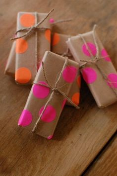 D.I.Y. I'd Love to Try: Decorative brown paper wrapping with stick on dots! So cool