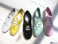 http://www.merlinagp.com/2012/12/fashion-101-must-have-shoes-for-every.html