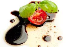Vinagre balsâmico - Visite-nos em: www.teleculinaria... | Descubra receitas deliciosas, truques, dicas, cursos, o Blog Culinária A-Z e muito mais!