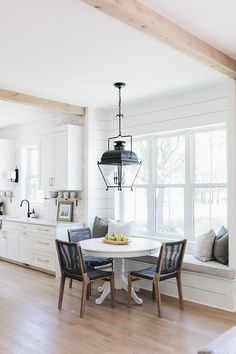 Breakfast Room with shiplap Breakfast Room with shiplap This bright breakfast room features a built-in banquette and custom shiplap paneling Breakfast Room with shiplap Breakfast Room with shiplap Kitchen Breakfast Nooks, Kitchen Nook, Kitchen Ideas, Kitchen Designs, Kitchen Banquette Ideas, Breakfast Room Ideas, Eat In Kitchen Table, Kitchen Trends, Kitchen Paint