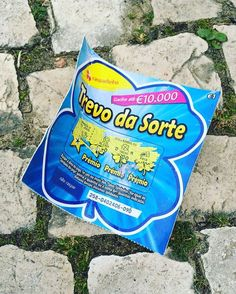The biggest loser 🍀 Aquele que perde e deita a raspadinha para o chão. --- The one who loses and throw the ticket on the ground. 🌍 #mintbeachmovement #itsnotok #pickitup #ipickeditup #litter #binit #savetheearth #sustainability #sustentabilidade #bethechange #zerolixo #portugal