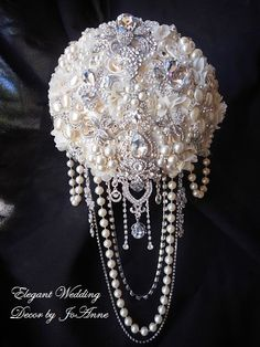 CASCADING BROOCH BOUQUET- Elegant Ivory Cascading Brooch and Jeweled Wedding Bouquet, brooch Bouquet, Broach Bouquett, Jeweled Bouquet