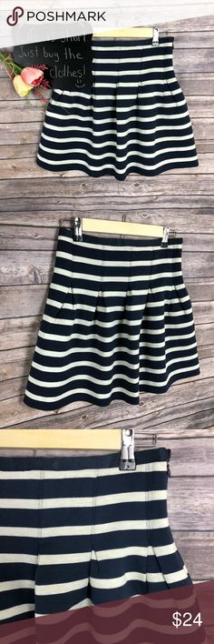 """Gap striped quilted pleated navy white skirt Gap striped quilted pleated navy white skirt. Super cute! Excellent condition. Size S.  14"""" waist.  17"""" length. GAP Skirts"""