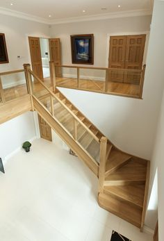 Queen S Hill Rise Entrance Hall Stairs In 2019 Stairs, Home Stairs Design, Home Interior Design, House Design, Interior Architecture, House Staircase, Modern Staircase, Spiral Staircases, Entrance Hall Decor, Entrance Halls