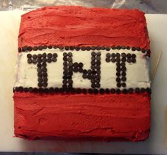 TNT minecraft cake!