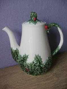 Vintage 1970's Christmas teapot Lefton teapot by ShoponSherman