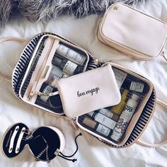 There are so many chic travel accessories on sale at hudson+ Travel Luggage, Travel Bags, Travel Toiletry Bag, Suitcase Packing, Travel Packing, Travel Backpack, Budget Travel, Luggage Bags, Packing Jewelry