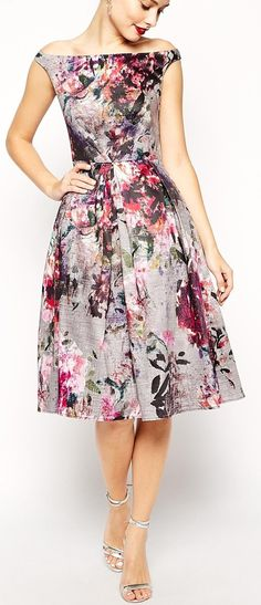 I love a floral patterned dress or skirt. This dress is lovely. ...and it's off the shoulder! Yassss...