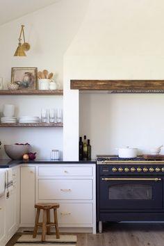 Home Interior Velas McGee Home: Kitchen Plans Kitchen Reno, New Kitchen, Kitchen Dining, Kitchen Remodel, Kitchen Cabinets, Kitchen Wood, Dining Nook, White Cabinets, Country Kitchen