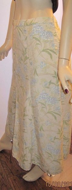 Eddie Bauer Size 20W Long Beige Floral Skirt with Side Zipper #EddieBauer #FullSkirt