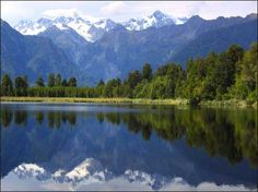 Is that a postcard? Nope...just an unbelievably breathtaking lake/mountain scene from New Zealand.