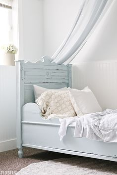 This has to be the most serene color palette that has ever been for a tween girls bedroom. Come dream, relax and soak in all the tranquility of our blue and white girls bedroom makeover - in blissful cottage farmhouse style. Shabby Chic Interiors, Shabby Chic Bedrooms, Shabby Chic Decor, French Style Homes, Little Girl Rooms, Decoration, Rum, Bedroom Decor, Bedroom Ideas
