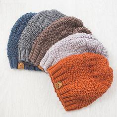 Questa mano Merino uomo berretto a maglia è stata realizzata utilizzando una lana merino 100%. Cappello fatto a mano di uomo Beanie Merino ti terrà caldo in tempo freddo. 100% lana merino Filato molto morbido! Cool di lavare a mano. Laici piatto ad asciugare. Ordine di reso. Si prega di