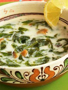 POVESTI CULINARE: Supa de salata verde. Soup Recipes, Cooking Recipes, Healthy Recipes, Romanian Food, Romanian Recipes, My Favorite Food, Favorite Recipes, Mets, Soul Food