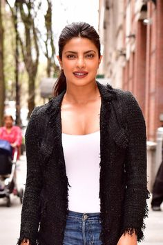 With her stunning red carpet looks as well as her knack for pulling off unexpected street style looks, Priyanka Chopra has been our style star to watch for College Wardrobe, Priyanka Chopra Hot, Beautiful Bollywood Actress, Red Carpet Looks, Street Style Looks, Beautiful Celebrities, Celebrity Pictures, Hollywood Actresses, Star Fashion