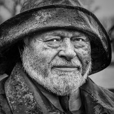 """Nascente   de   palavras: """"O Pescador Velho"""" - Glória de Sant'Anna"""