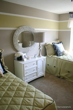 Love the easy to do strips!!   wall painting ideas paint ideas decorative painting ideas-14