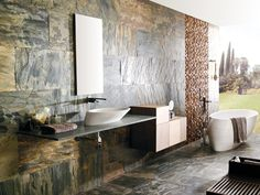 A ardósia é uma rocha natural sedimentar que se caracteriza por ser esfoliável, pela sua dureza e pela sua grande variedade de cores e texturas.