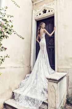 Off-white mermaid line dress made from French lace with a tulle overskirt Unique Wedding Gowns, Bridal Wedding Dresses, Dream Wedding Dresses, Unique Weddings, Constantino, French Lace, Body Shapes, Bridal Collection, Dress Making