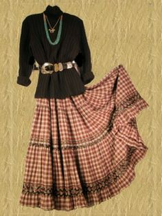 I love the Navajo-feel of this outfit. ~ BAGGIT Country Western Outfits, Western Dresses, Western Style, Boho, Bohemian Style, Skirt Outfits, Cool Outfits, Native American Fashion, American Women