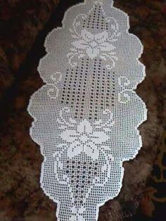 Photo from album Crochet Dollies, Crochet Doily Patterns, Crochet Art, Free Crochet, Crochet Table Runner, Crochet Tablecloth, Yarn Crafts, Diy Crafts, Fillet Crochet