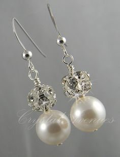 Pearl Bridal Necklace, Wedding Jewelry, Chunky, Swarovski Pearls, Bridesmaids jewelry, Audrey Necklace. $60.00, via Etsy.