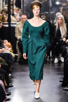 Emilia Wickstead Fall 2019 Ready-to-Wear Fashion Show - Vogue Style Couture, Couture Fashion, Runway Fashion, Fashion Week, Love Fashion, Fashion Trends, Vogue Paris, Emilia Wickstead, Fashion Forever