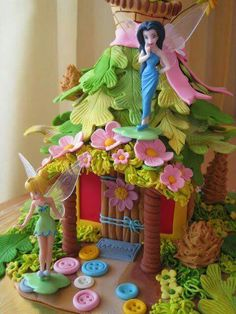tinkerbell cake @ Brandi for paige Pirate Fairy Cake, Bolo Tinker Bell, Fairy House Cake, Tinkerbell Party, Fairy Birthday, 5th Birthday, Birthday Ideas, Fairy Cakes, Character Cakes